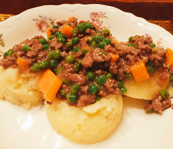 Chef Lynn Returns to Scottish Roots with Mince 'n' Tatties